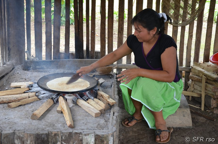 Casave Backen in Ecuador
