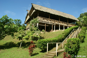 Yarina Lodge